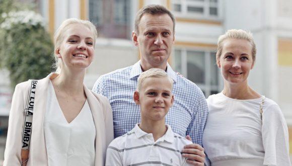 Nawalny poskarżył się na zablokowanie kont bankowych swojej rodziny