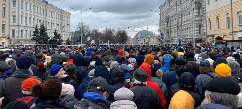 W Moskwie w marszu ku pamięci Borysa Niemcowa wzięło udział 22 tysiące osób