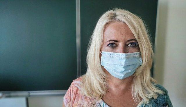 Гражданское неповиновение? Как в Польше коронавирус заставил учителей выбирать между жизнью и законом
