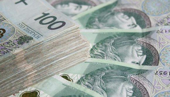 Польские зарплаты через 18 лет достигнут среднего уровня в ЕС