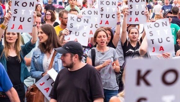 Рассредоточенная проверка конституционности: как граждане в Польше проверяют закон