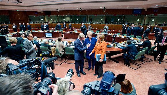 Przywódcy UE odrzucają propozycję Merkel i Macrona zorganizowania szczytu z udziałem Władimira Putina