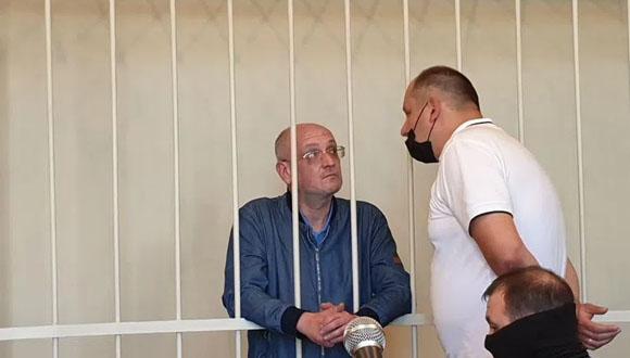 Petersburski radny Maksym Reznik skazany na areszt domowy
